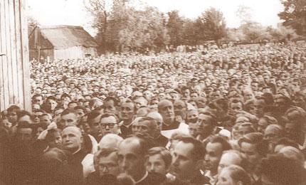 Nabożeństwo w Wierzbicy. Fot. arch.  Opublikowano w Naszym Dzienniku, w numerze 11 (2724) z dnia 13-14 stycznia 2007 r.